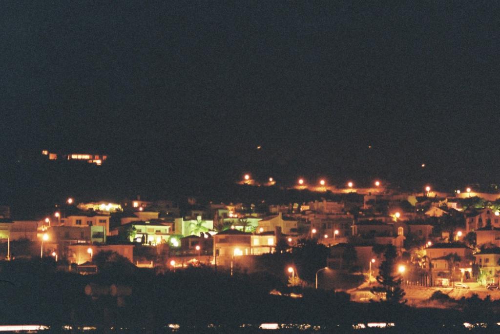 Cypr nocą
